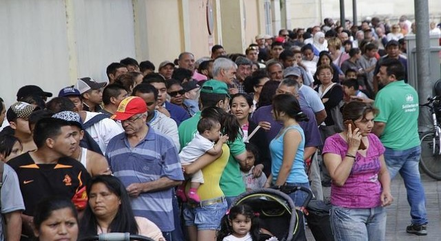 Duras imágenes de desabastecimiento y hambruna en Venezuela!!!, (hosti, ya me he liado otra vez y he puesto las fotos de España…)